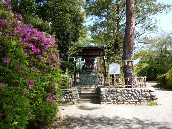 36.つつじ公園の霊犬神社